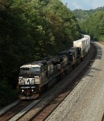 NS 21M at Mile 255 Pittsburgh Line